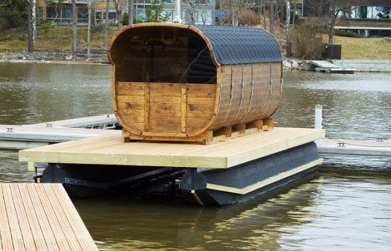 Pirtis bačka ant pontono